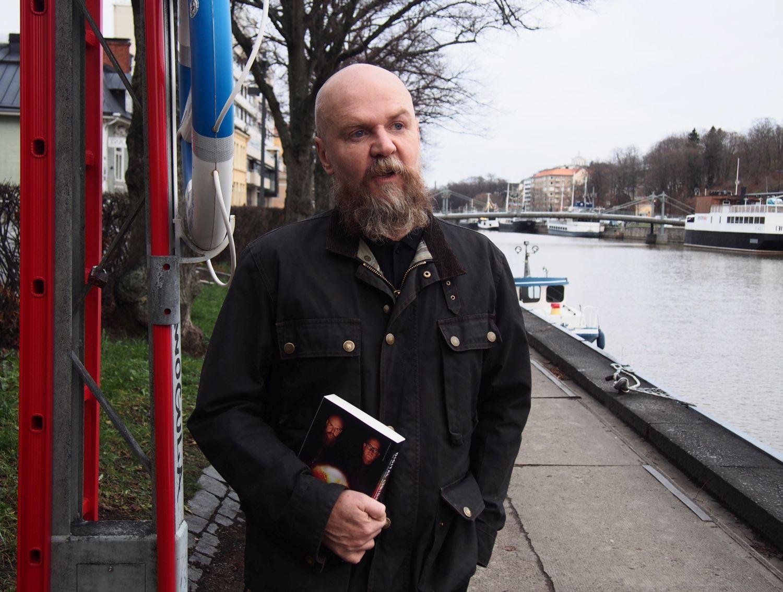 Alexander Bard inför debatten i Åbo: ÅA-personal som påstår att min närvaro kränker är psykiskt sjuk