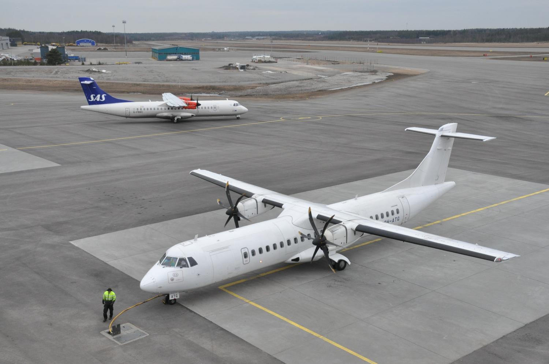 SAS Stockholmsflyg möter Finnairs flyg från Helsingfors. Foto: J-O Edberg