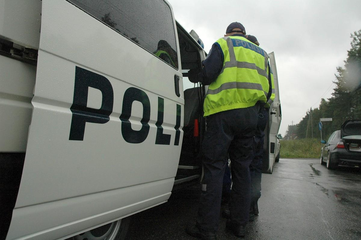 Polis bil och polis