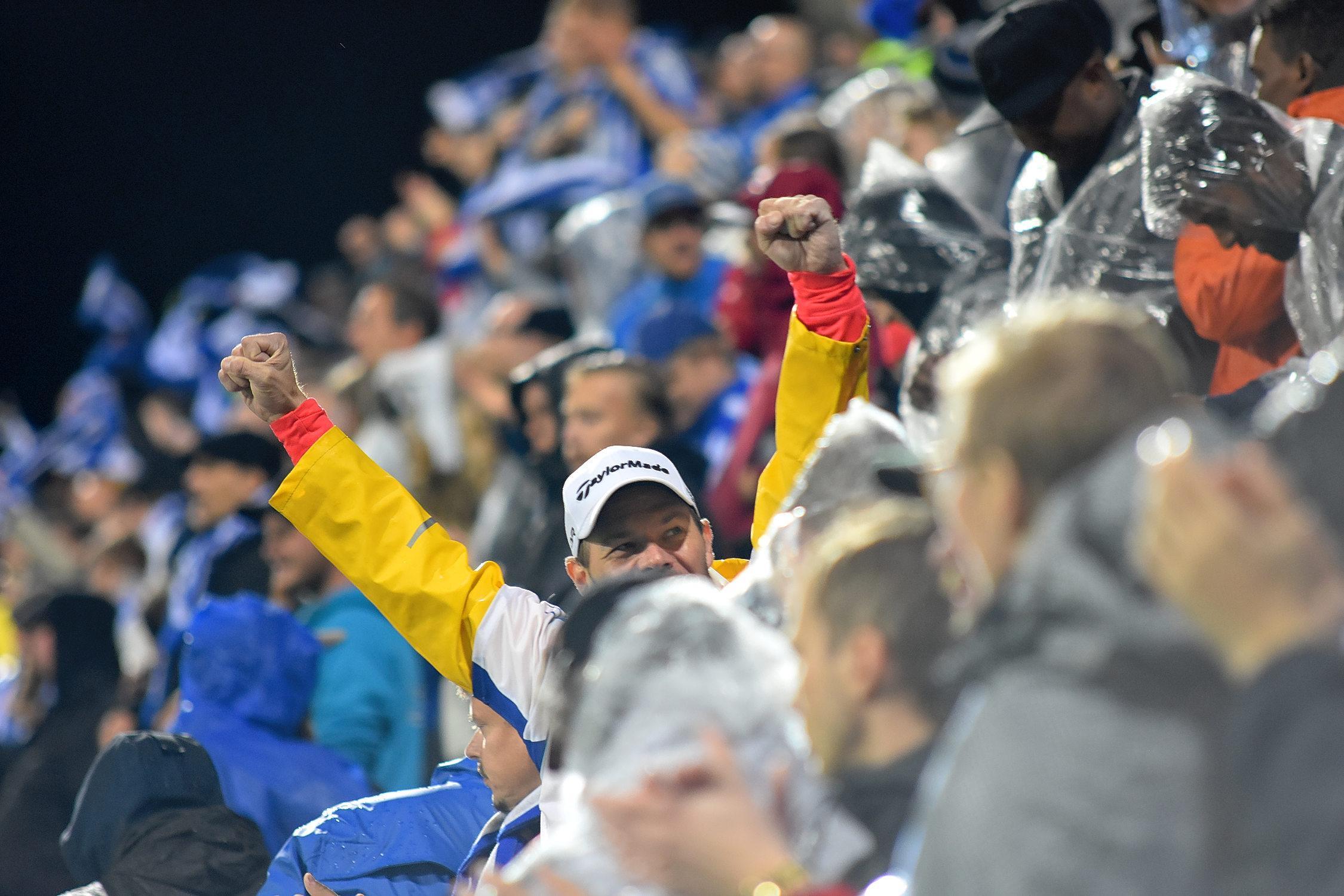 Publik heijjar på Finlands fotbollslandslag