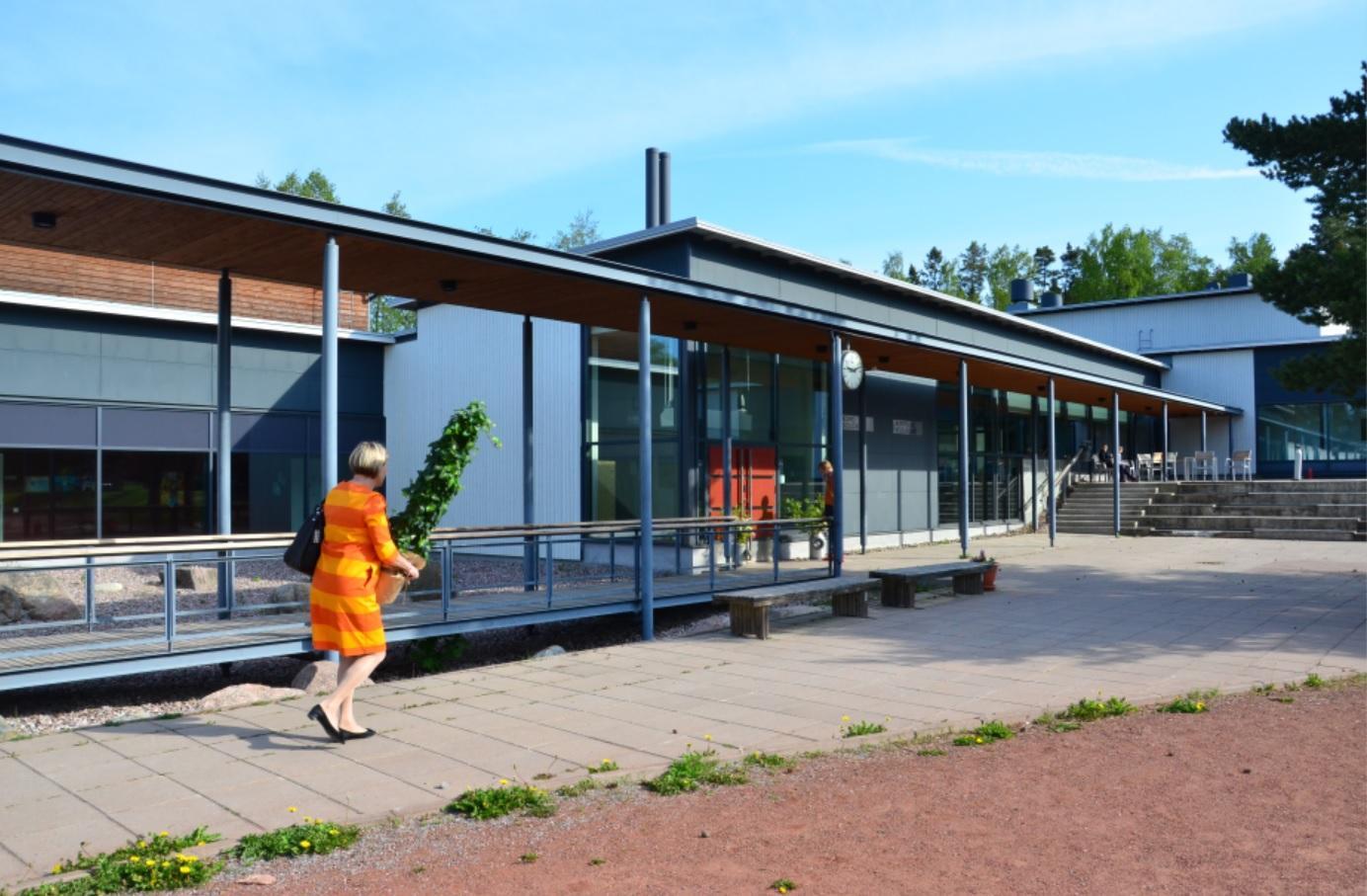 Föräldrar är oroliga över mikrober i Skärgårdshavets skola. ÅU-foto