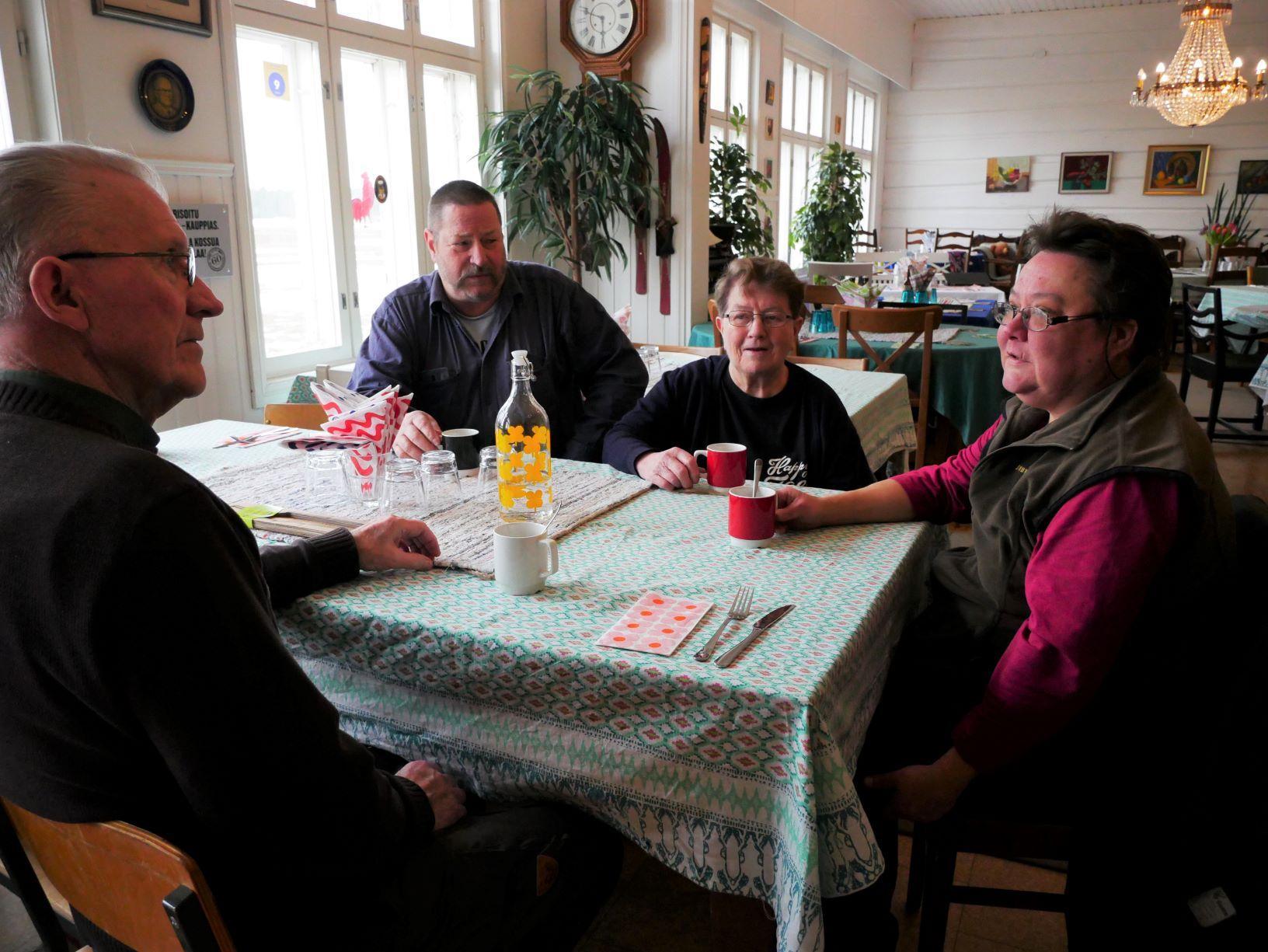 Långväga gäster hittar till bed & breakfast i Västanfjärd — den gamla folkskolan gynnas av nya cykelrutten Kustrutten