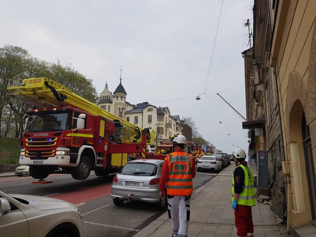 Brandbilar på gatan.