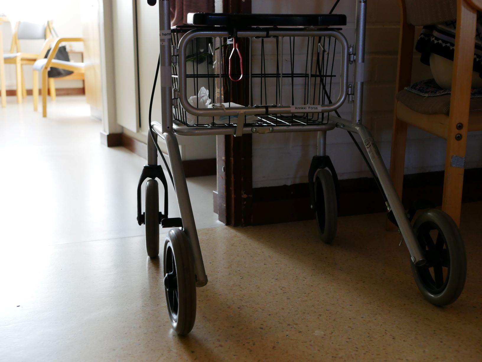 """Inga behöriga sommarvikarier till vården — """"blir utmanande för ordinarie personalen"""""""