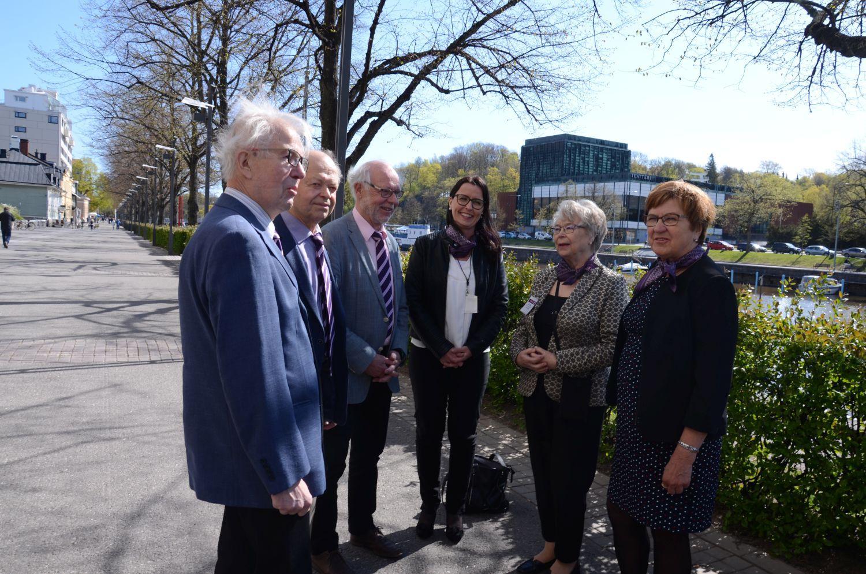 Sex medlemmar från äldrerådet på bild.
