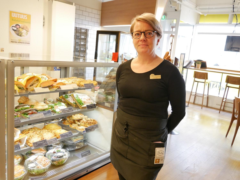 – Vi har märkt att efterfrågan finns, allt flera vill äta frukost i Åbo, säger Eveliina Puisto, chef för Naantalin Aurinkoinens enhet på Kristinegatan. Caféet har nyligen skapat ett speciellt frukostalternativ.