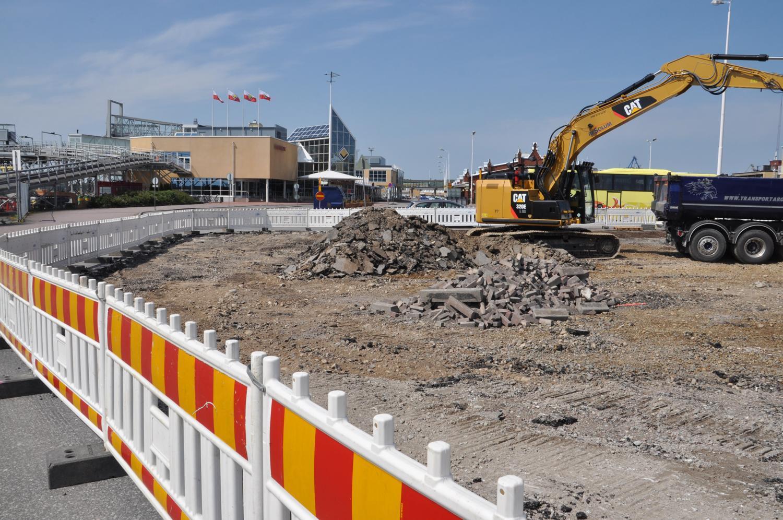 Staden vill få slut på trafikkaoset i hamnen — parkeringen vid Viking Lines terminal byggs om