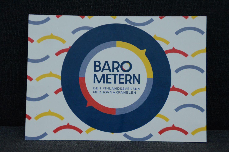 """En broshyr för medborgarpanelen """"Barometern"""" fotograferad."""