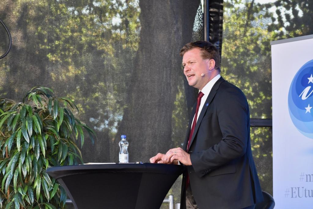 Enligt utvecklings- och utrikeshandelsminister Ville Skinnari (SDP) ökar många länder sin närvaro i Afrika, till exempel genom att grunda ambassader och konsulat.