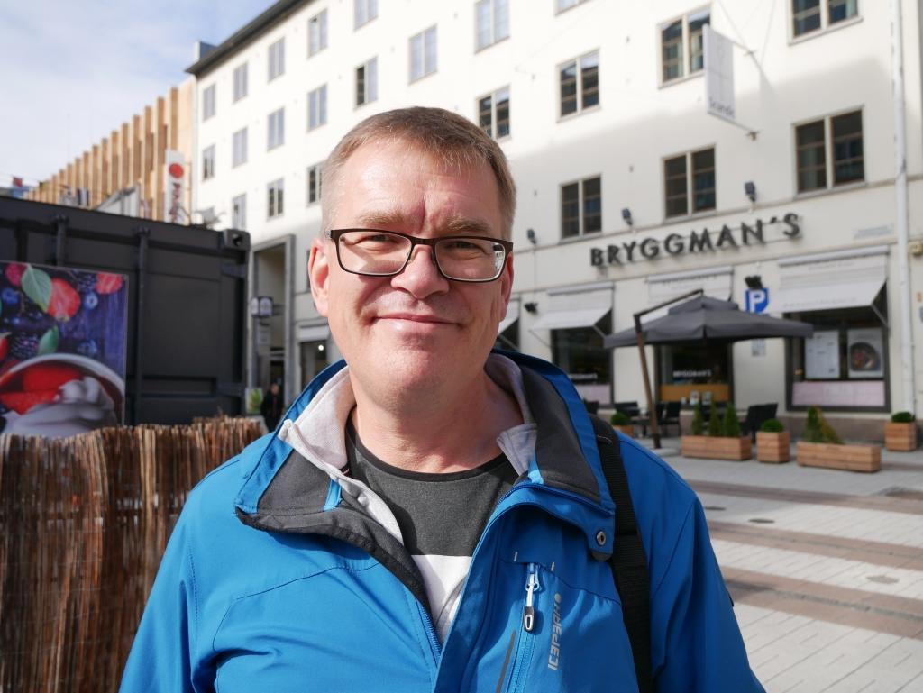 Jussi Ernvall i arbetslivet, Rusko — Ja, det får gärna bli en borgmästare, för att det blir intressant att se vad som sker om Åbo får en sådan, liksom exempelvis Helsingfors. Jag tror att borgmästaren kan ha en viktig och stor roll i framtiden, och Åbo stads ledare bestämmer nog mycket om hur det går för närliggande kommuner som Rusko.