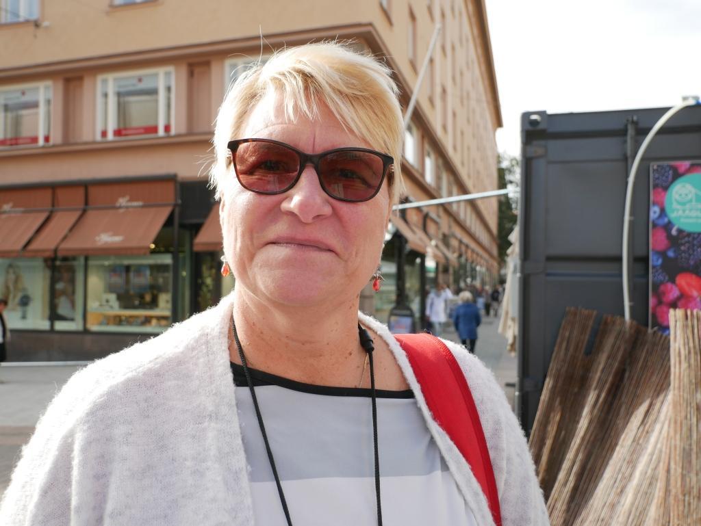 Vuokko Mäkelä i arbetslivet, Åbo — Jag vet inte. Kanske det räcker bra med en stadsdirektör.