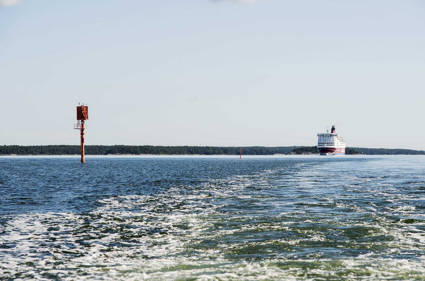 Sverigebåt på havet
