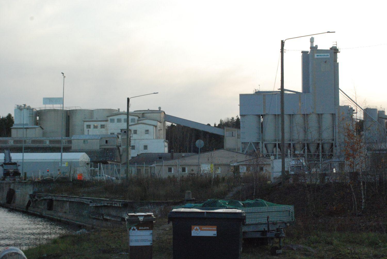 En fabrik utifrån.