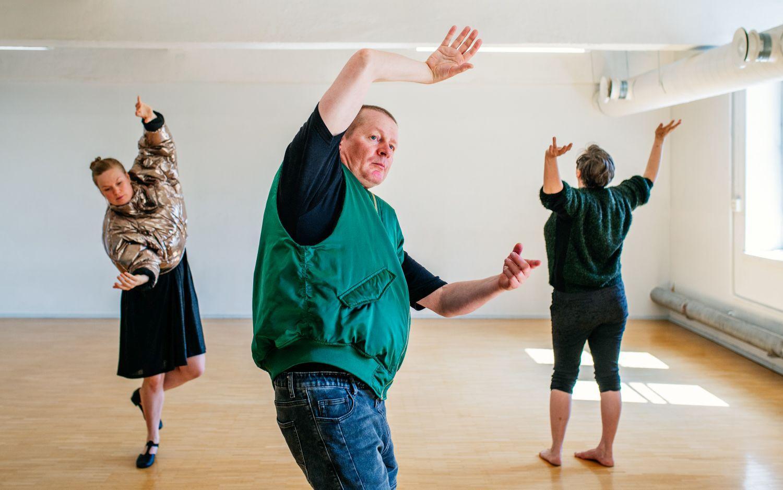 Performancegruppen Oblivia. Foto: Saara Autere