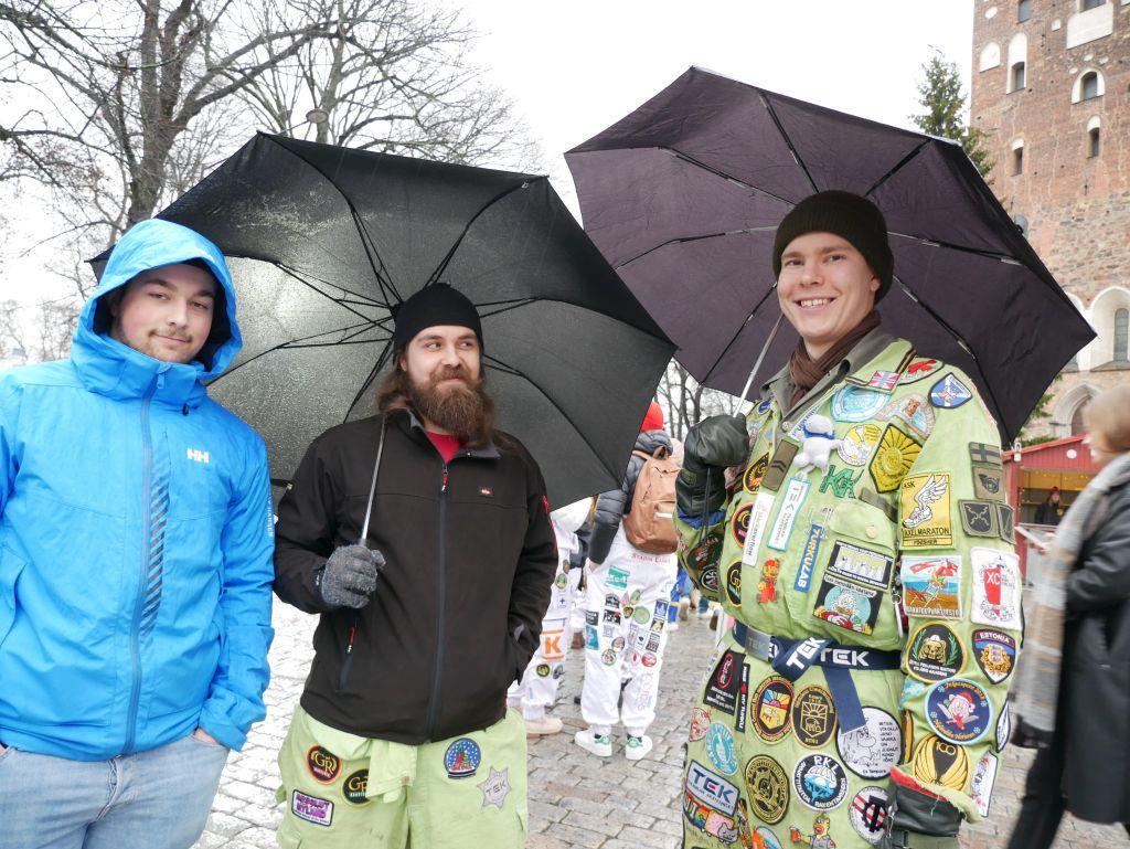 Bröderna Romeo och Robin Nyberg från Hangö och deras kompis Topias Mannisto från Helsingfors.