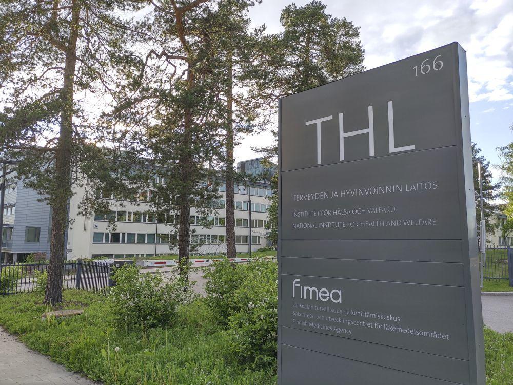 THL-skylt utanför byggnad