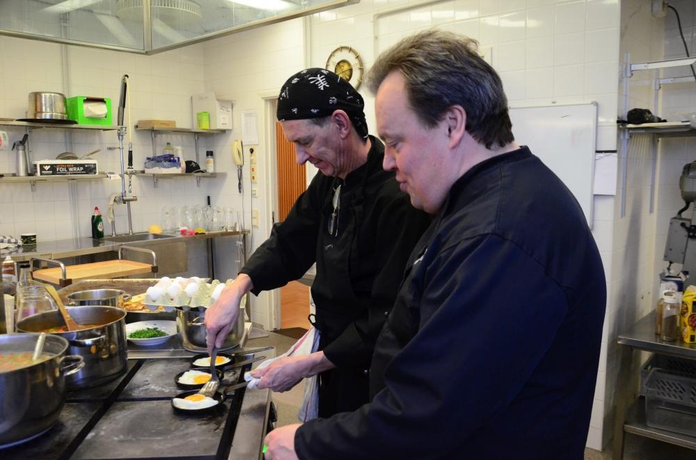 kockar i köket
