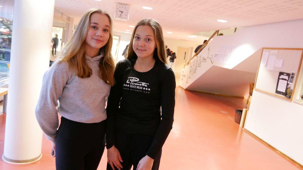 Fia Casagrande och Edith Rönnholm trivs i S:t Olofsskolan.