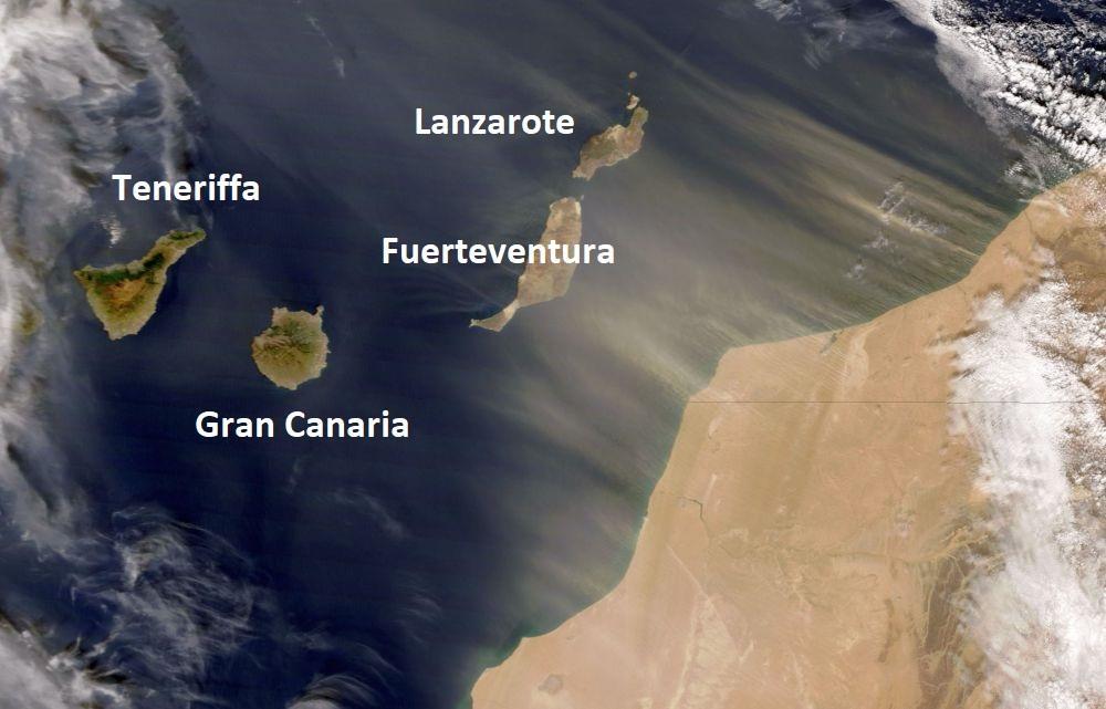 Satellitbild över Kanarieöarna och västra Sahara