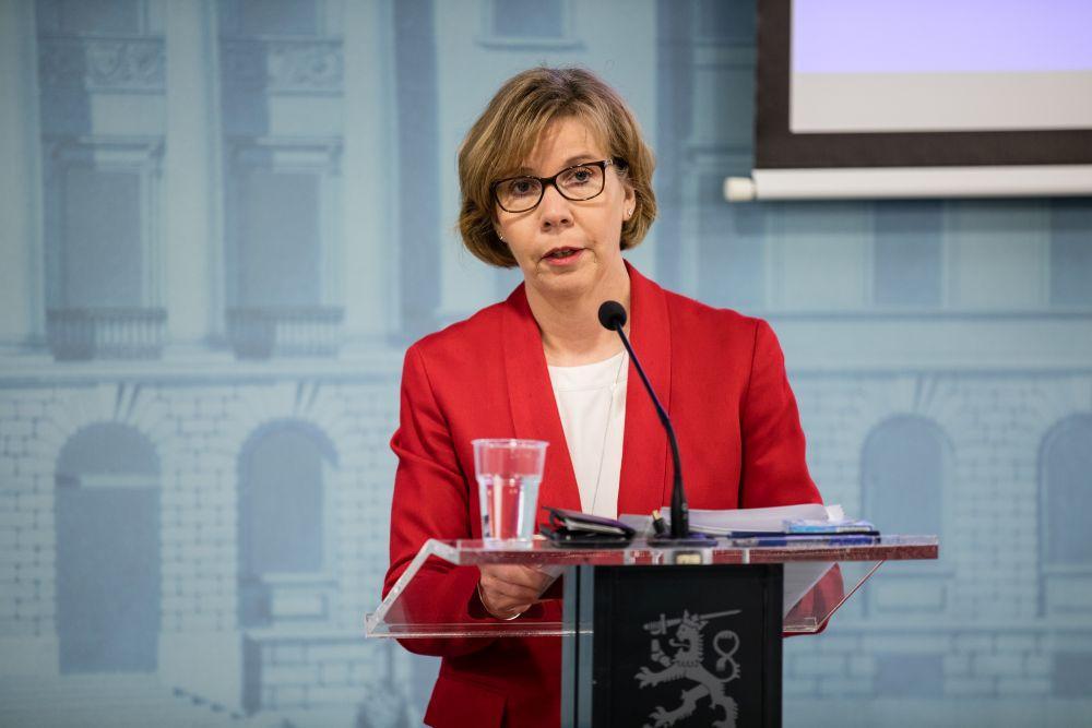 SFP:s partiordförande, justitieminister Anna-Maja Henriksson