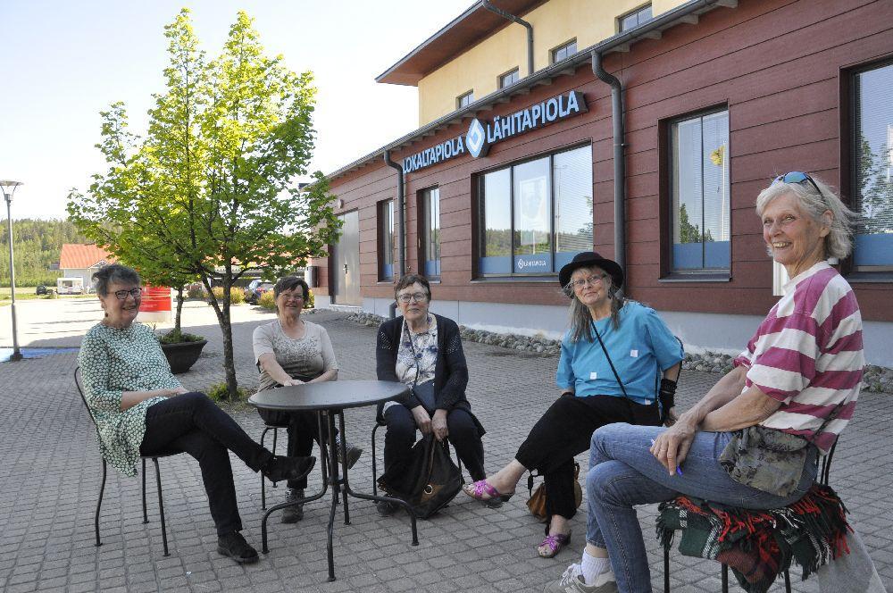Oro och oklarhet kring vårdfrågan på Kimitoön — ÅU träffade engagerade damer