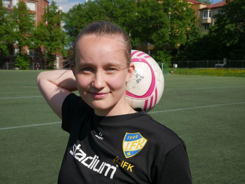 """Malin Selén öppnar upp sitt gulsvarta fotbollshjärta: """"Det har varit tungt då vi inte kunnat träna med laget"""""""