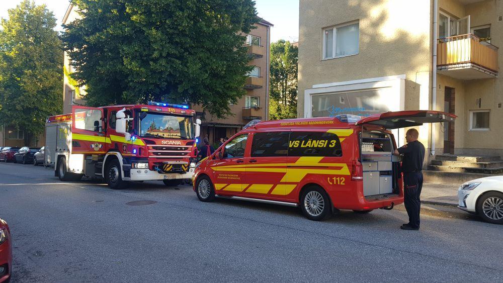 brandbilar på gatan